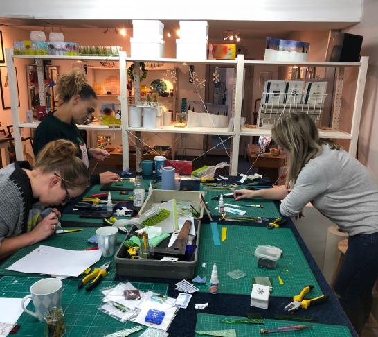 Glass Monkey - Christmas decoration workshop