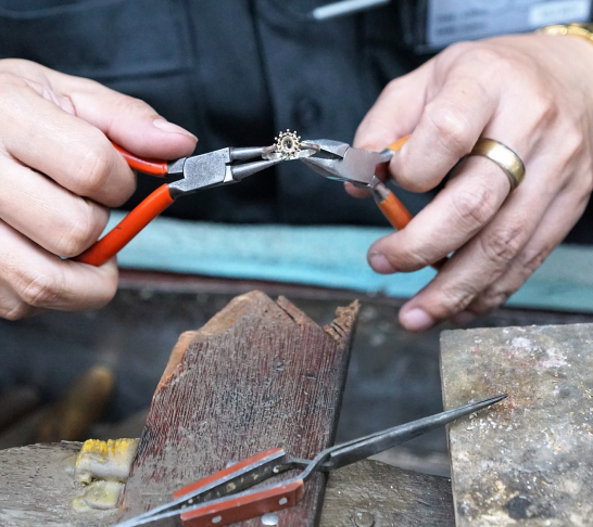 Manchester Area | Silversmithing Workshop
